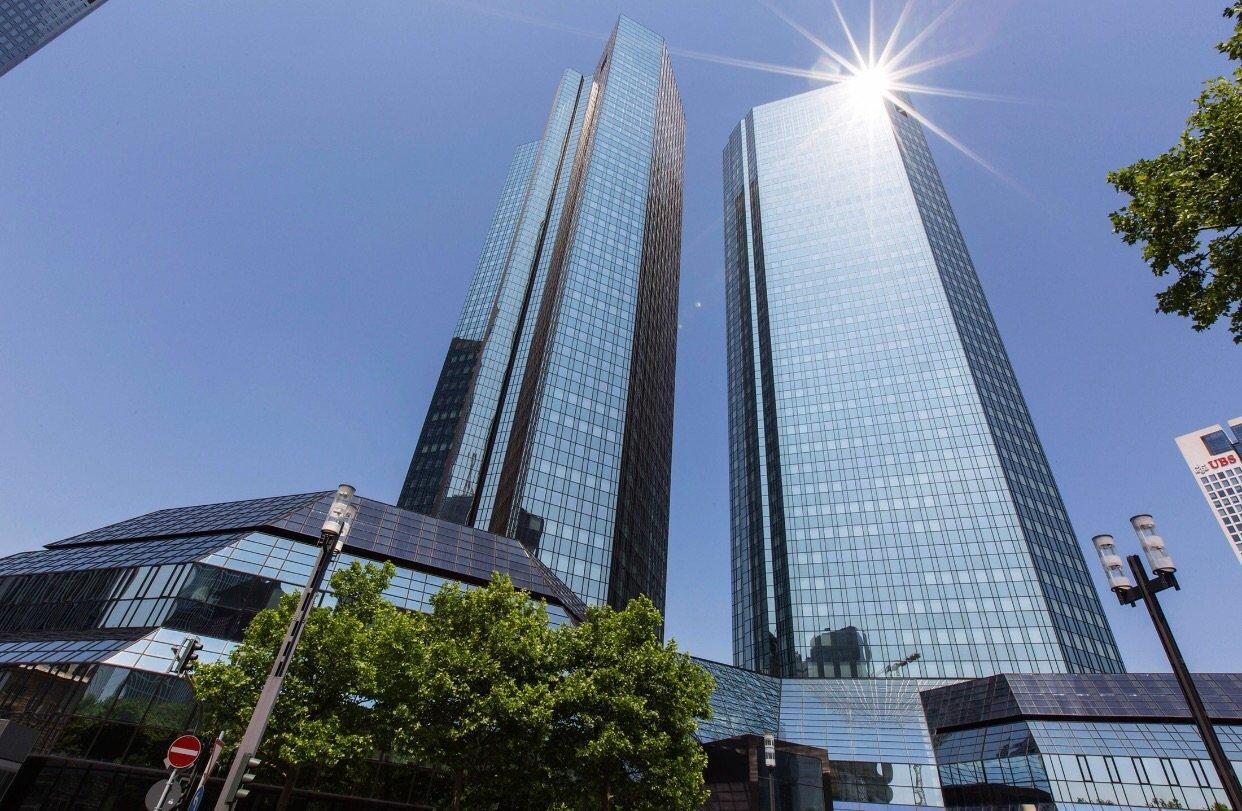 Azionario: le banche europee continueranno i tagli
