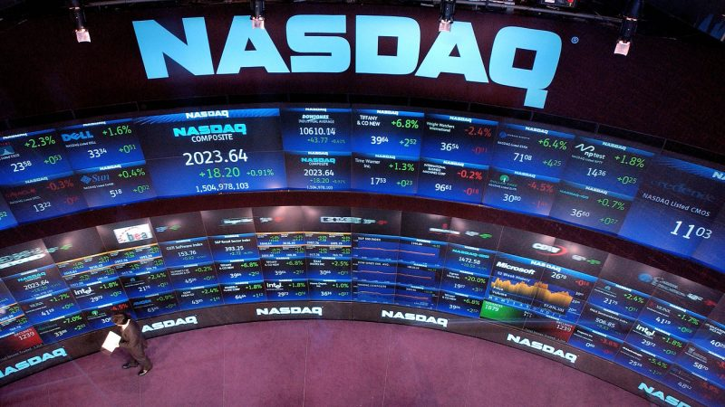 Crypto Exchange DX con tecnologia NASDAQ