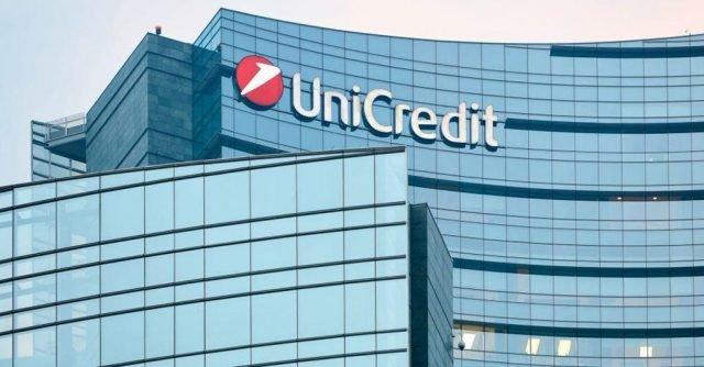 Taglio di ottomila dipendenti di Unicredit