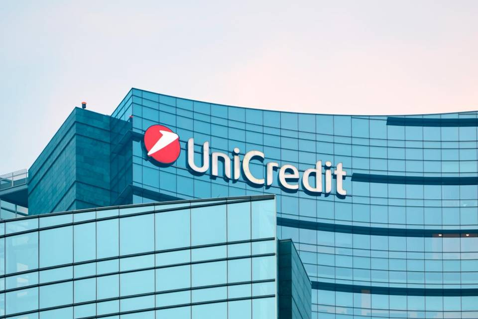 Unicredit chiuderà 450 filiali in Italia