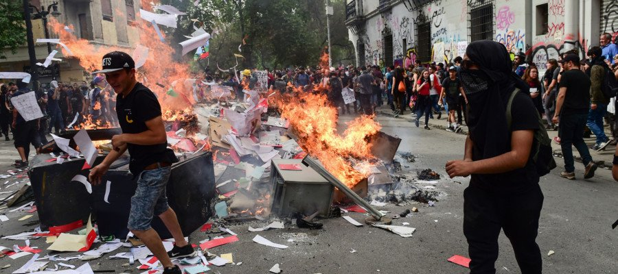 Continuano le rivolte in America
