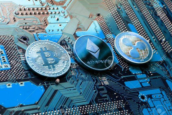 Bitcoin, Ethereum e XRP hanno raggiunto 511,5 miliardi di dollari a dicembre