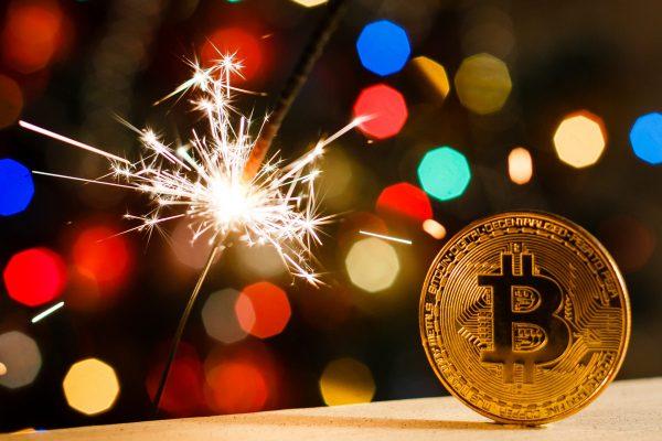 Il Bitcoin ha raggiunto i 28.000 dollari nel periodo Natalizio