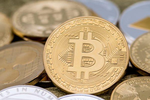 Bitcoin punta a $ a 30.000 dopo aver registrato un altro record