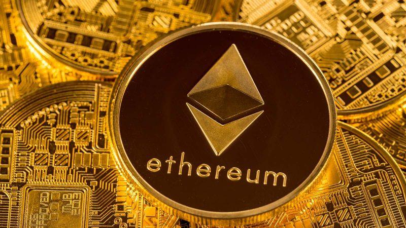 Ethereum raggiunge ATH di $ 1.700: Economist prevede $ 20k entro la fine dell'anno