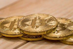 Il dominio di Bitcoin sale alle stelle al 44% ,il prezzo di BTC recupera $ 10.000 in un giorno