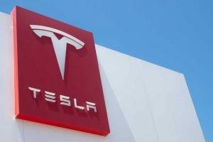 Tesla segnala un danno da 23 milioni di dollari dalle sue partecipazioni in Bitcoin